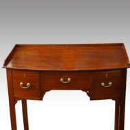 Edwardian mahogany bow-fronted dressing table
