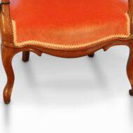 Victorian open-arm button-back chair leg