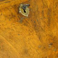 Queen Anne walnut bureau,8