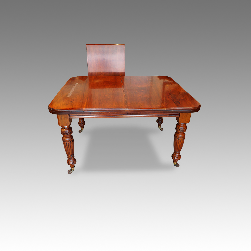 Edwardian walnut 8 seat dining table Now Sold Hingstons  : Edwardian walnut 8 seat dining table6 from www.hingstons-antiques.co.uk size 1000 x 1000 jpeg 225kB