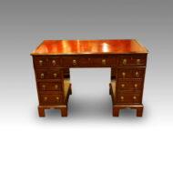 Victorian mahogany pedestal desk 120cms wide