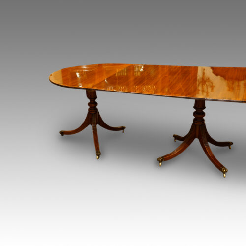 1920's 3 pillar dining table,2