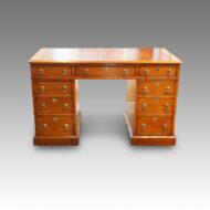 Victorian oak pedestal desk