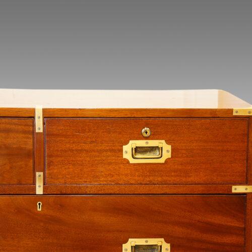 Victorian campaign chest