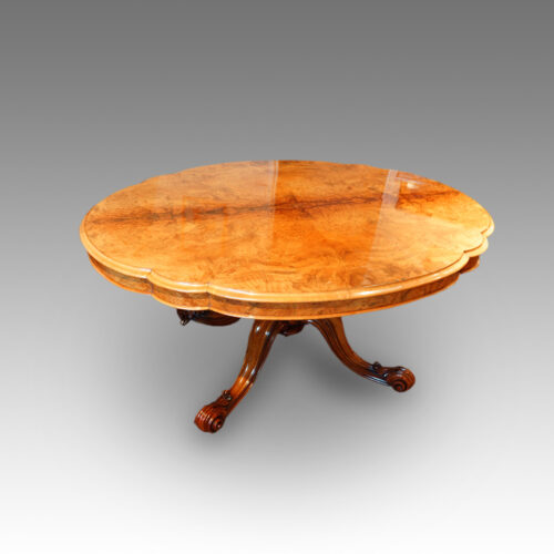 Victorian walnut shaped loo table
