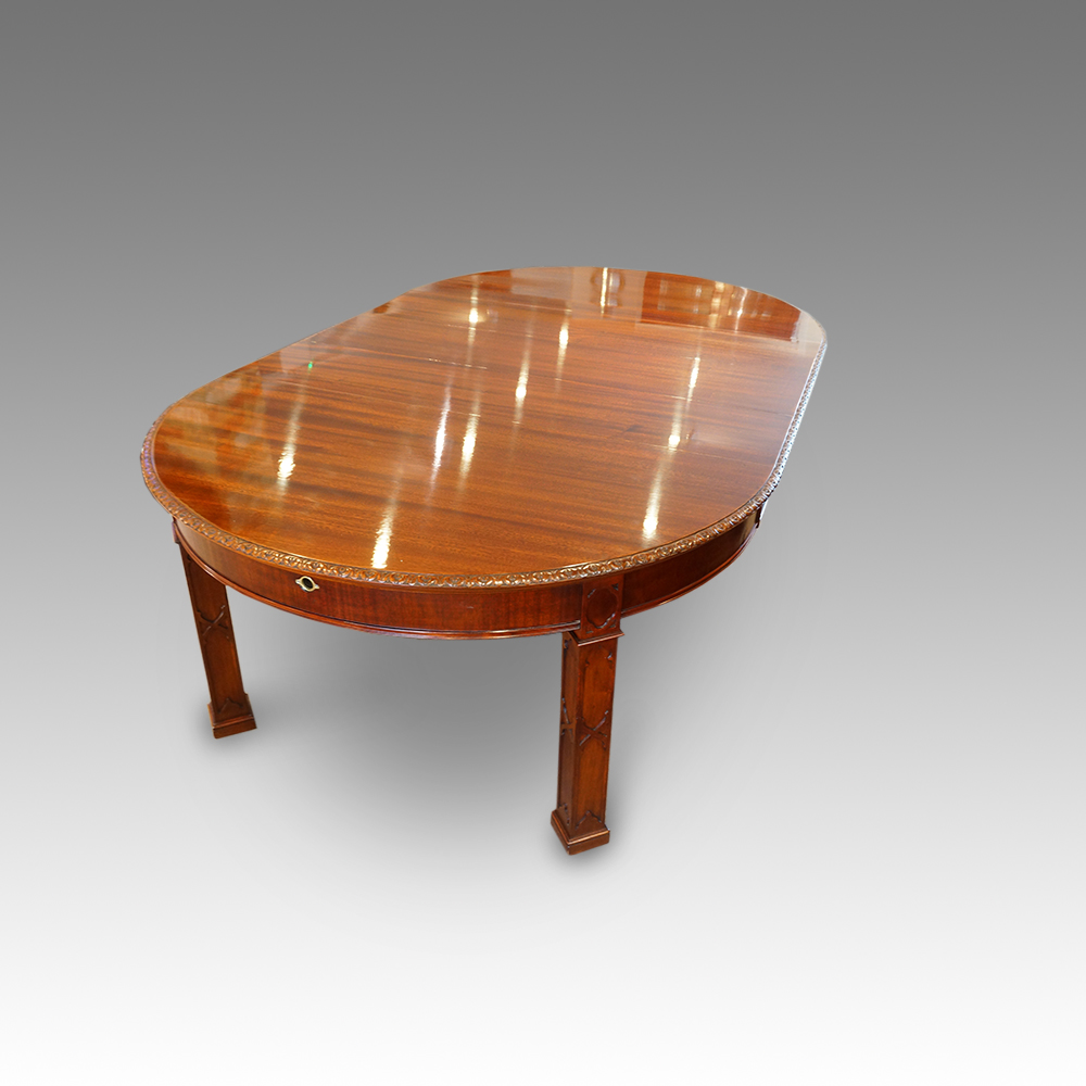 Edwardian round mahogany extending dining table  : Edwardian mahogany Chippendale style mahogany dining table3 from www.hingstons-antiques.co.uk size 1000 x 1000 jpeg 275kB