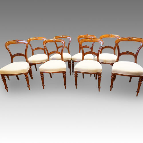 Set of 8 Victorian walnut dining chairs