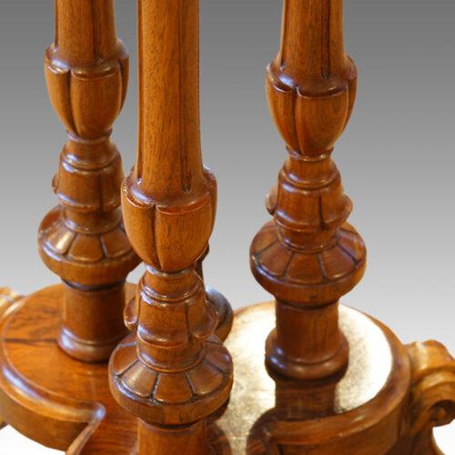 Victorian cluster column