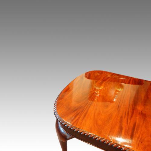 Edwardain dining room table