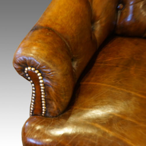 Victorian small leather settee arm button