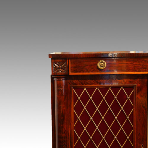 William IV rosewood side cabinet with one drawer carved capital
