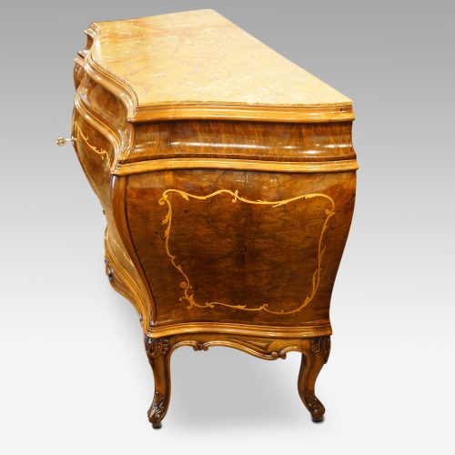 Pair of Italian commodes side