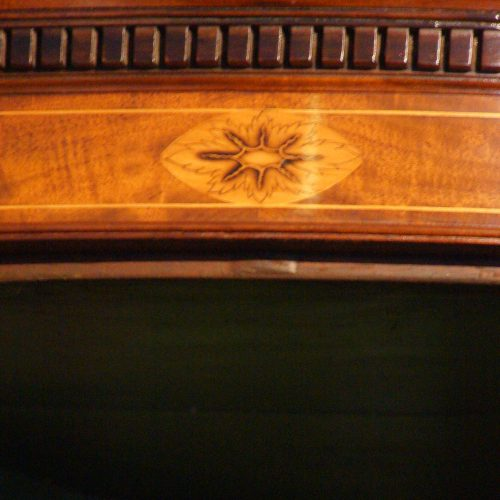 Georgian bow front mahogany hanging corner cabinet inlay to top
