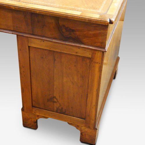Georgian style walnut pedestal desk rear