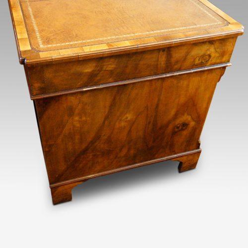 Georgian style walnut pedestal desk side