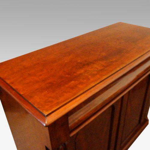 Victorian mahogany waterfall drawer chiffonier top