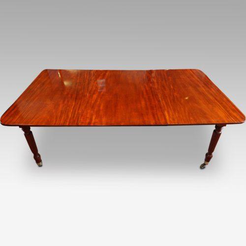 19thc. mahogany fluted leg extending dining table