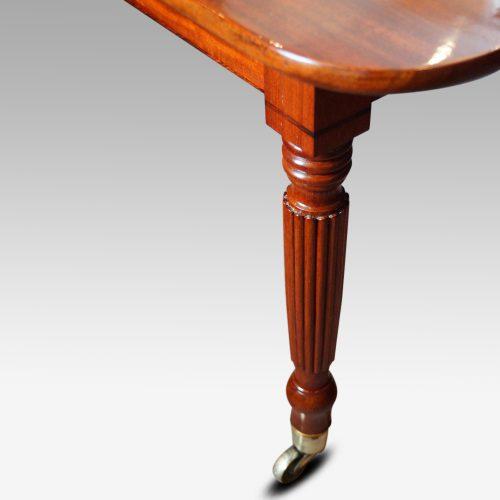 19thc. mahogany fluted leg extending dining table corner leg