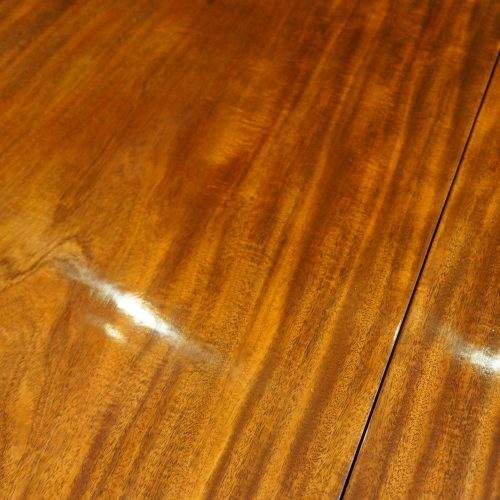 19thc. mahogany fluted leg extending dining table top grain