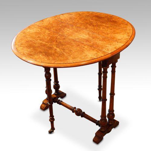 Victorian walnut small Sutherland table