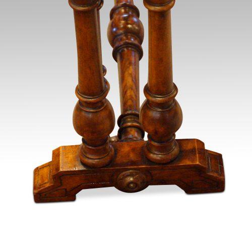 Victorian walnut small Sutherland table base