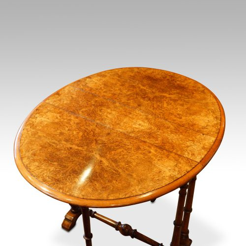 Victorian walnut small Sutherland table top