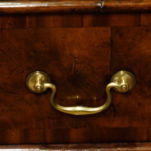 18thc. walnut on oak chest of drawers brass handle