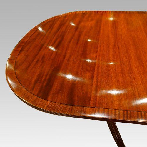 Georgian style mahogany twin pillar dining table end detail