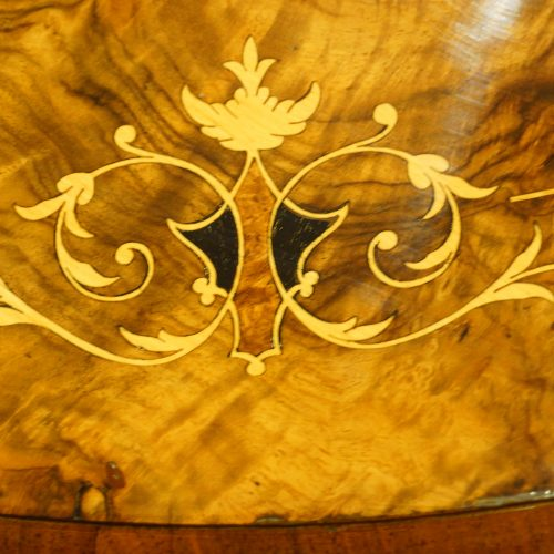Victorian inlaid walnut oval table inlay