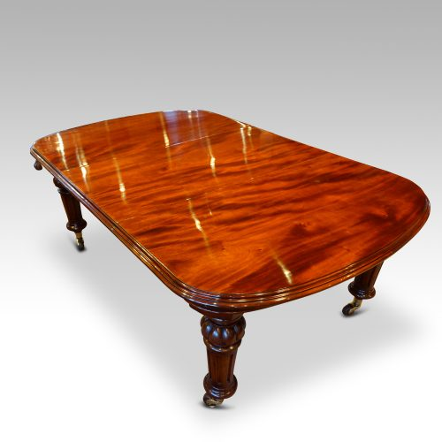 Victorian mahogany 10+ seat dining table corner view