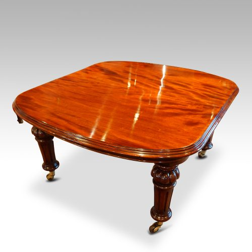 Victorian mahogany 10+ seat dining table