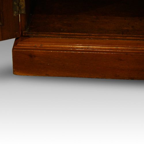 Edwardian walnut cupboard (11)